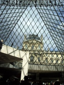 The Louvre: Hit by labor unrest