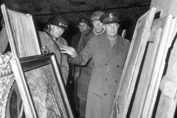 Gens. Dwight Eisenhower, Omar Bradley and George Patton examine stolen Nazi art during World War II. (Photo: U.S. Army)