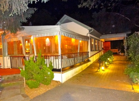 Nick & Toni's: Simply a Superstar in East Hampton For Mediterranean Fare