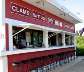 The Clam Bar, Where Catch of the Day Rules in Amagansett