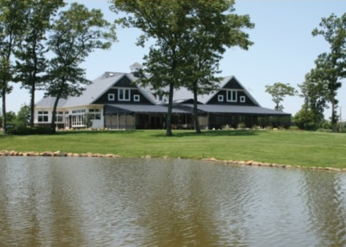 Stonewalls: Continental Fare Served With Golf in Riverhead