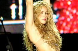 "Shakira unleashes her sensuality in a new song ""Me Gusta."" Traslated: ""I Like."" (Photo:"