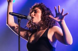 Lorde is set to release a new song and a sexy new image. (Photo: