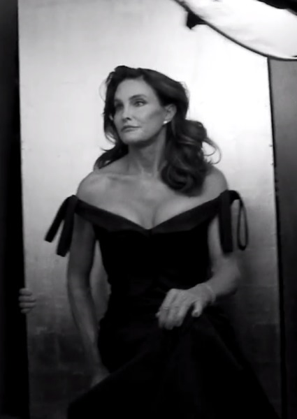 Kris Jenner, Caitlyn Jenner Frisson!  Two (Now) Matriarchs in Cat Fight 44