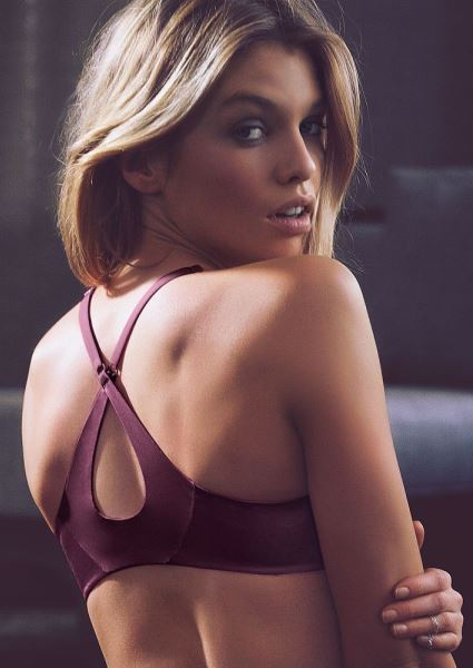 Miley Cyrus Lover Stella Maxwell; See Why Miley's Hot for Her (12 photos!) 34