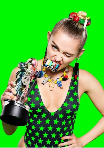 Miley Cyrus Lays Out Why This MTV VMAs Will be Different From Her Last 2