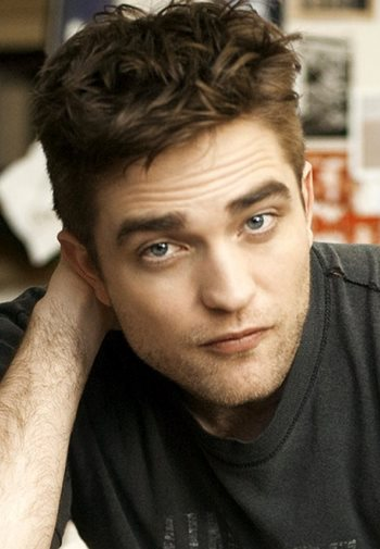Robert Pattinson Lands New, Out of This World Film Role: 7 Plot Clues! 6
