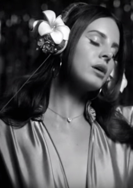 Lana Del Rey Wet Dreams in New 'Music to Watch Boys To' Video (see!) 4