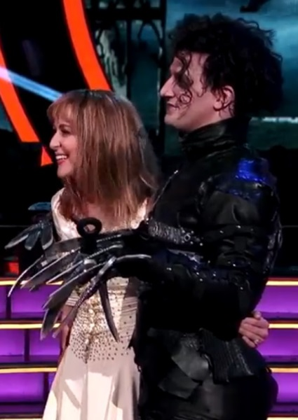 Alexa PenaVega, Mark Ballas Keep DWTS Real With Hot Paso Doble (see!) 2