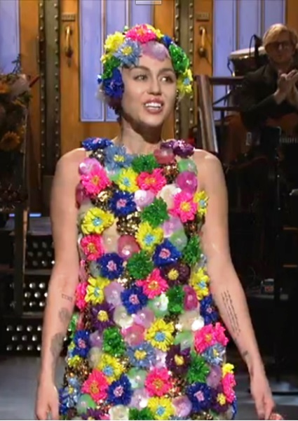 Miley Cyrus Makes Pot Jokes in Saturday Night Live Open (watch!) 18