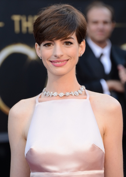 Anne Hathaway Really Does Have It All: Now Pregnant With First Child! 2