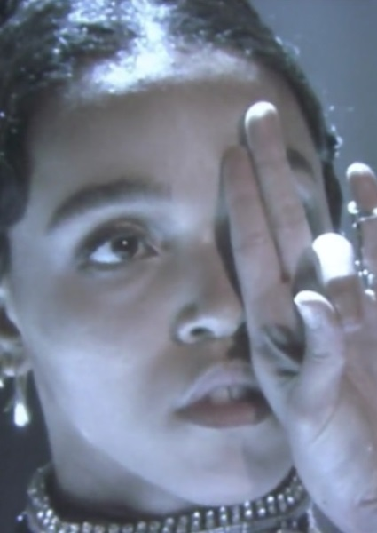 FKA Twigs Dazzles on Tonight Show Singing Exotic 'Good to Love' (watch!) 16