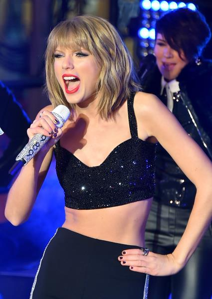 Taylor Swift Declares War on Sony Music Over Kesha Contract Fight 22