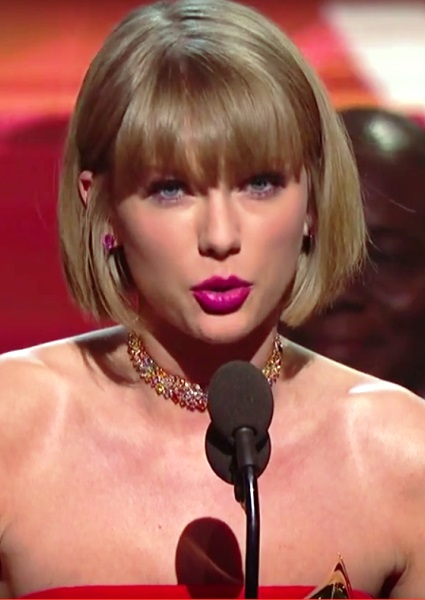 Taylor Swift Shouts Out Empowerment in Album of Year Speech (watch!) 16