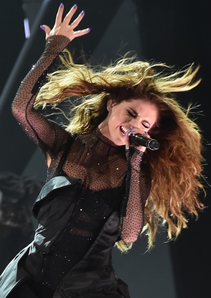 Selena Gomez Hot, Sexy, High Energy at Brooklyn Show in NYC (pics, vids!) 22