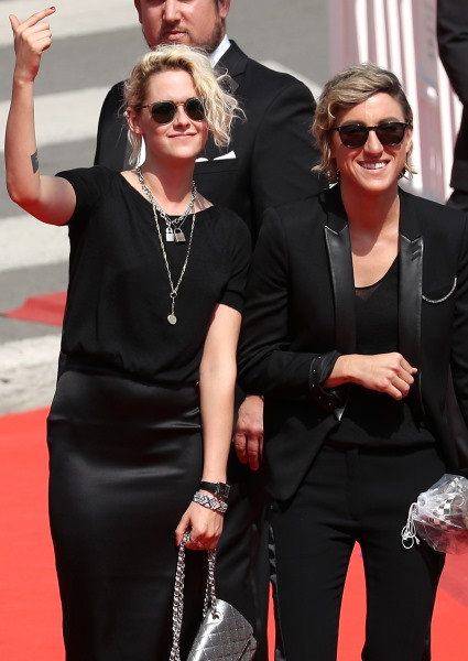 Kristen Stewart 'Coming Out' May End Career as Romantic Lead in Movies 22