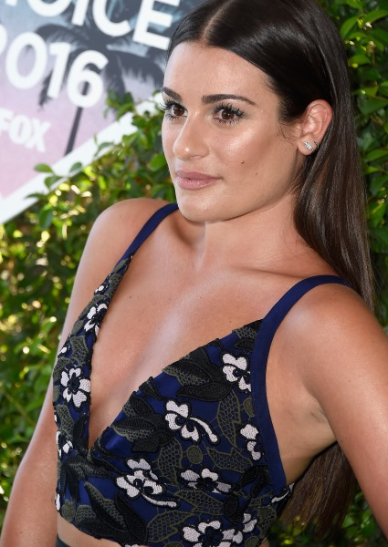 Holy Cleavage! 7 Celebs Forgot Teen Choice Awards Is Kid's Show (pics!) 6