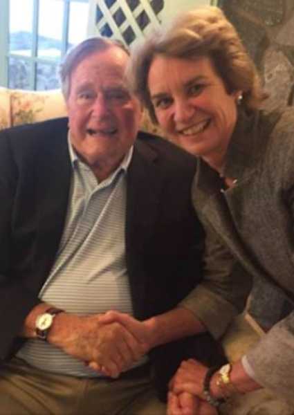 George H. W. Bush Voting for Hillary Clinton; Trump Likely to Lose Texas 6