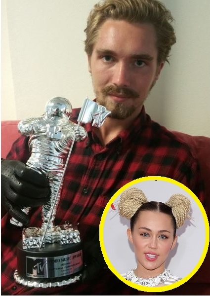 Miley Cyrus VMA Video of the Year Moonman Sold on EBay!?! 2