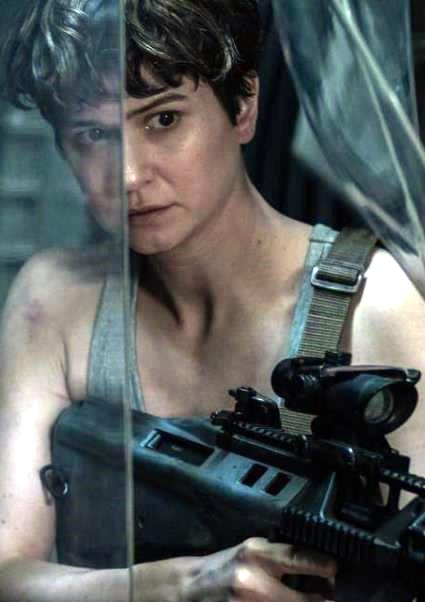 Ridley Scott's Dark Vision of Space Lives in Alien: Covenant (New Trailer!) 2