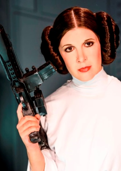 Carrie Fisher of Star Wars Fame Dies From Heart Attack Complications 20