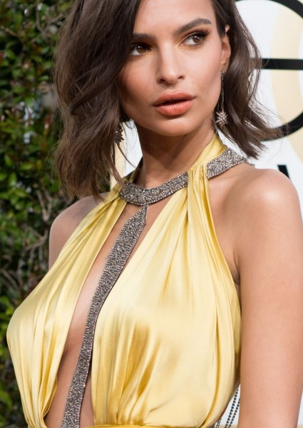 Emily Ratajakowski Sparks Uproar in Sultry Golden Globes Gown (photos!) 18