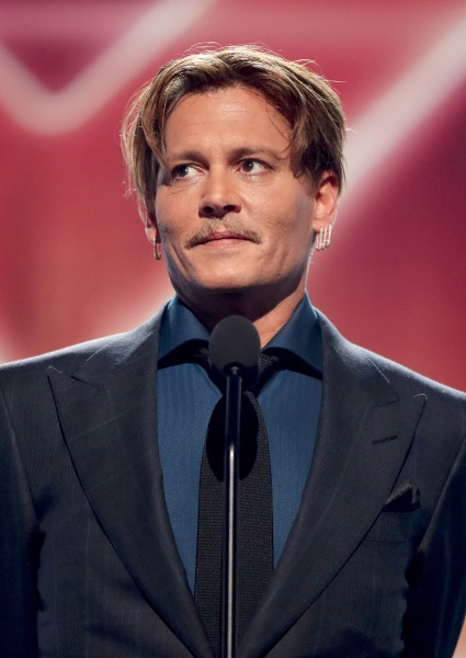 Johnny Depp Gets Shot at Redemption at People's Choice Awards (See!) 4