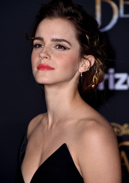 Emma Watson Ditches Brown After Nude Photo Scandal 3