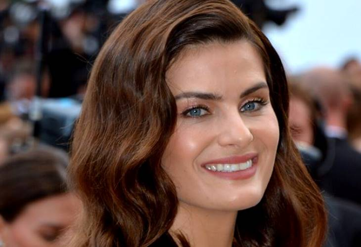Isabela Fontana is known for her  dark exotic looks and sky-blue eyes. (Photo: