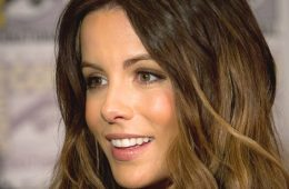 Kate Beckinsale makes a statement at 46 on the beach at Los Cabos.