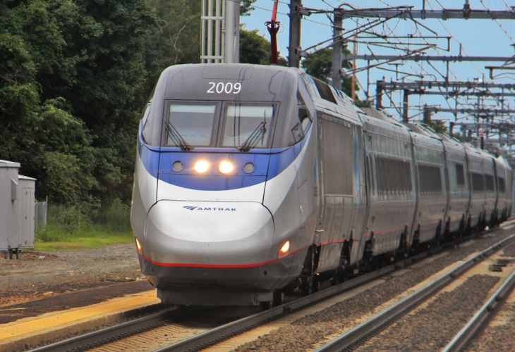 Amtrak is shutting down trains between New York and Washington as demand wanes. (Photo: Michael Kurras)
