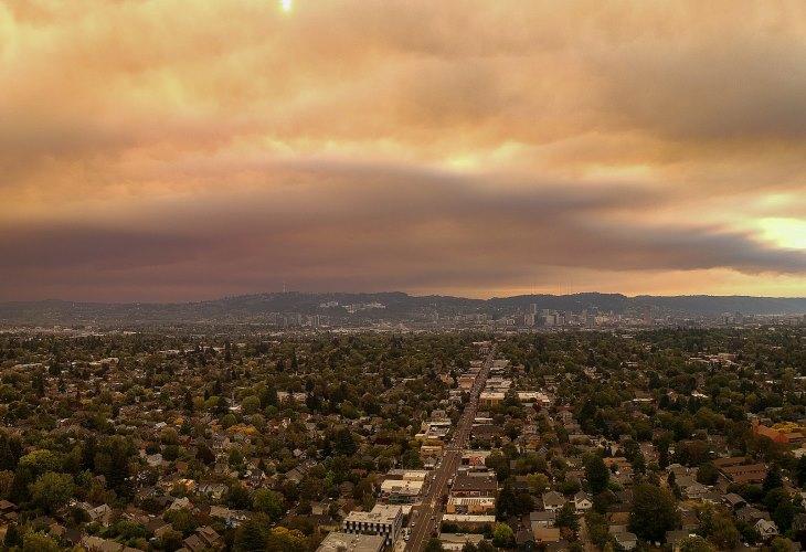 Portland is overshadowed by smoke filled skies in Oregon. (Photo: )