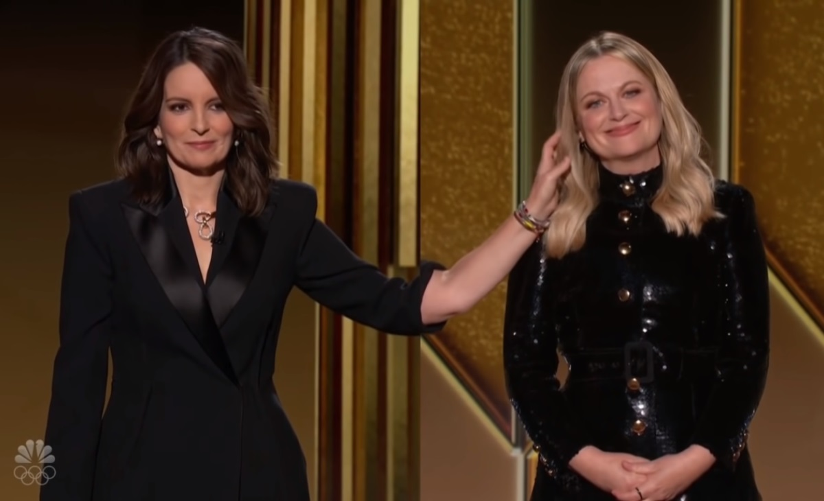 Hosts Amy Poehler (right) and Tina Fey trashed Golden Globes in their opening monologue. (Photo: ScreenCap)