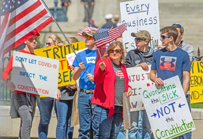 Protesters, many unvaccinated, oppose lockdowns and other mandates. (Photo: )