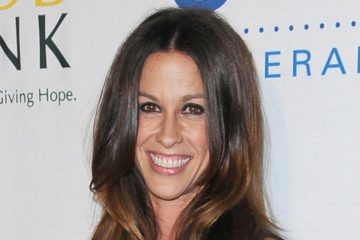 Alanis Moressette opens up about dealing with postpartum depression and anxiety. (Photo: Bang ShowBiz)