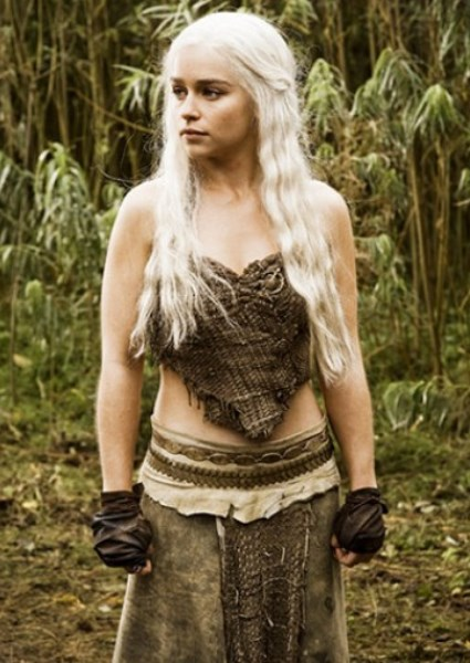 Emilia Clarke a Hot Mess in New Game of Thrones Photos 30