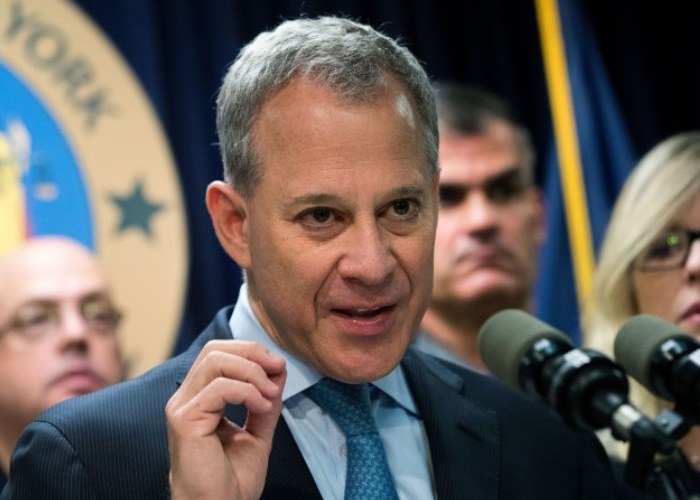 The New Schneiderman Sex Rule: Into Kink? Please Let Your Partner Know First 2