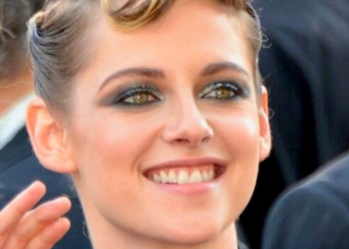 Is Kristen Stewart Oscar Worthy?  Sony Studio Honcho Thinks So (watch!) 46