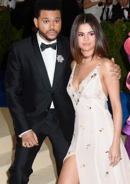 Selena Gomez, The Weeknd Sharing NYC Love Shack? Unlikely, Sources Say 14