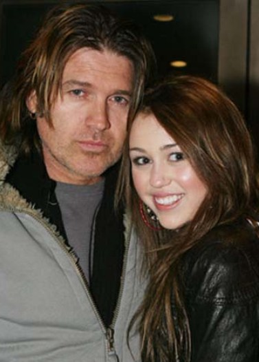 Miley Cyrus Antics Scare Bejezus Out of Dad Billy Ray Cyrus 14