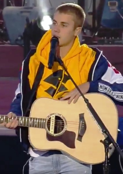 Justin Bieber Finally Shows Maturity, Grace At Manchester Concert (Video) 26