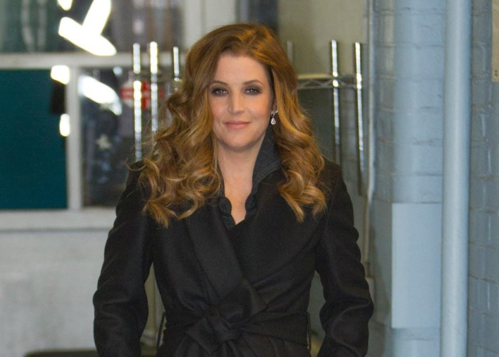 Lisa Marie Presley Broke! How the King's Kid Went From Princess to Pauper 8