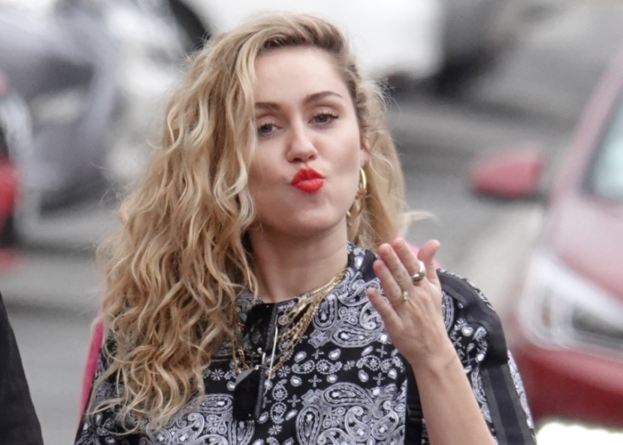 Miley Cyrus, Always a Fickle Lover, Hasn't Given Up Romancing the Bud (watch!) 16