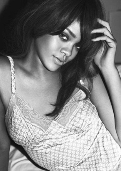 Rihanna Redefines Sexuality in Steamy New Armani Ads 4