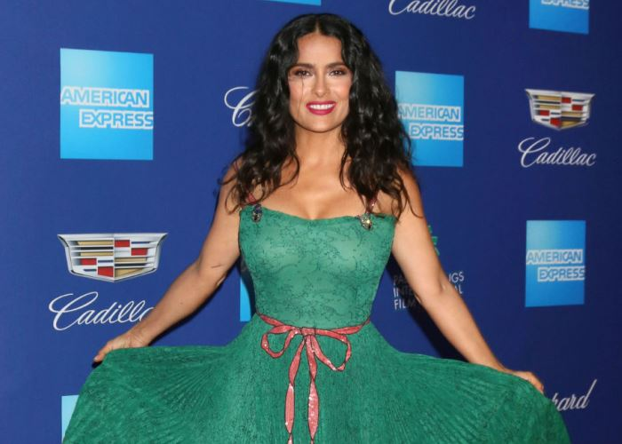 Harvey Weinstein Loses Track of Threats, But Apologizes to Salma Hayek, Anyway 28