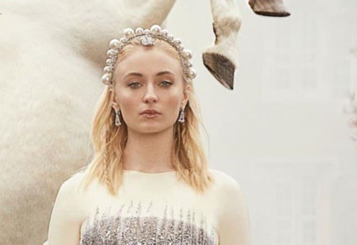 Sophie Turner Just Set Actresses Back 20 Years; What the Hell Was She Thinking? 2