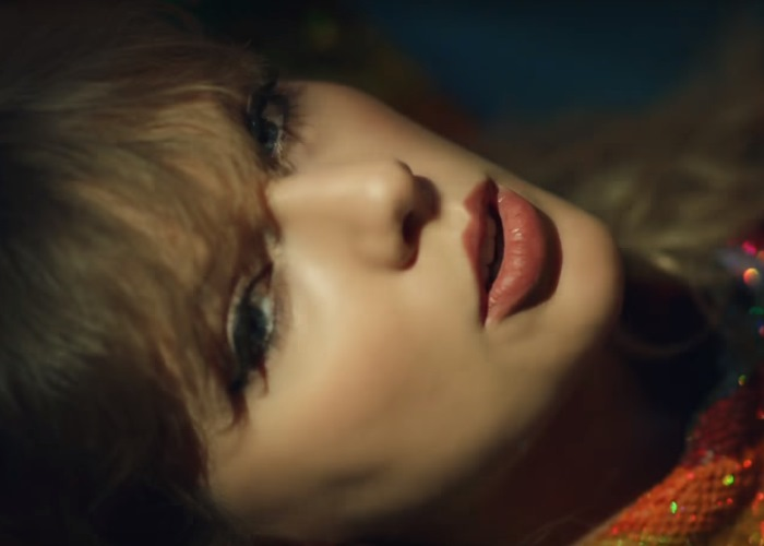 Taylor Swift Bling, Blings Around the World in End Game Video (See!) 10