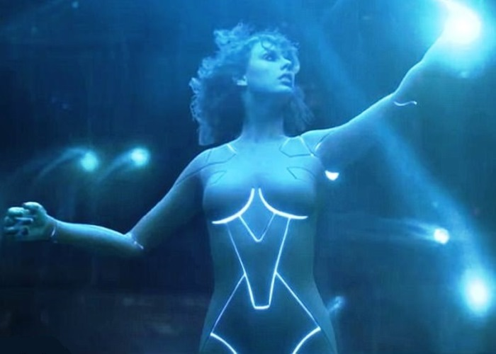 Taylor Swift New High-Concept Video Filled with Intimations of Nudity (See!) 16