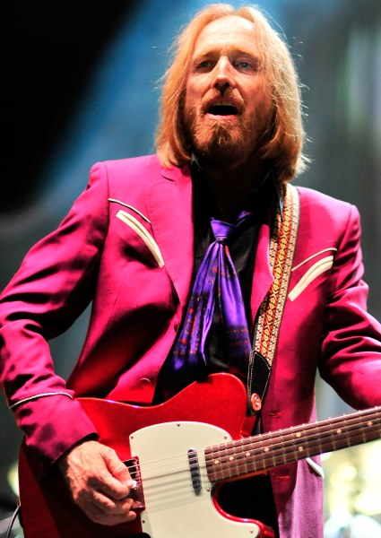Rocker Tom Petty Dies: Suffered Cardiac Arrest: Life Support Pulled 5