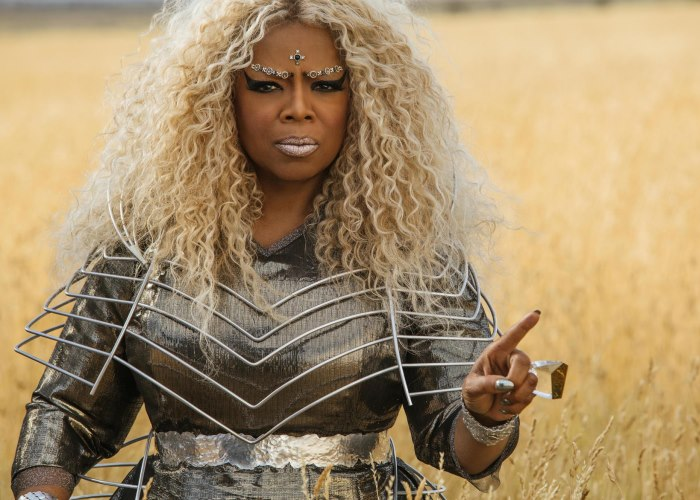Wrinkle in Time May Only Appeal to Those Who Haven't Read the Book (Trailer) 4